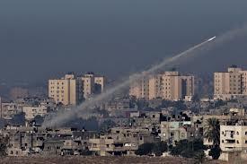 Dans un rapport publié lundi, HRW accuse les militants armés palestiniens d'avoir délibérément tiré «environ 1500 roquettes» entre le 14 et le 21 novembre en direction des zones habitées en Israël