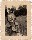 Rosian Bagriansky, enfant juive cachée dans la ferme de Lyda Goluboviene à Kulautova. Lituanie, 1944  © United States Holocaust Memorial Museum, Washington / Rosian Zerner